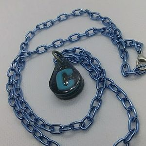 Super cute c inetial resin necklace